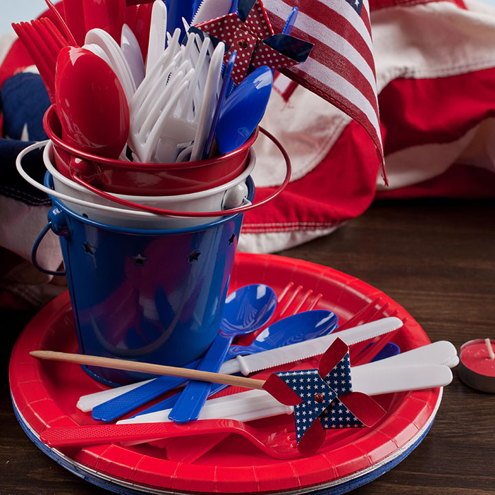 Decorative Napkins, Plates, Wreaths & Streamers