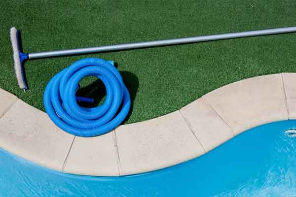 Swimming Pool Brushes, Nets & Poles