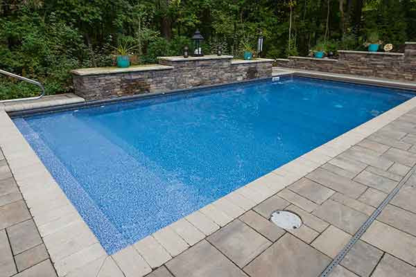 What is a Vinyl Pool?