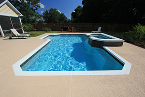 Gunite Grecian Shape Swimming Pool with Medium Blue Water Color