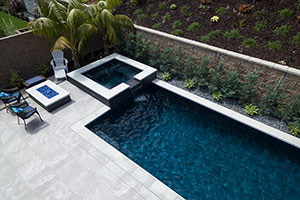 Gunite Rectangle Shape Swimming Pool with Dark Blue Water Color