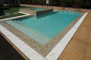 Gunite Rectangle Shape Swimming Pool with Green Water Color