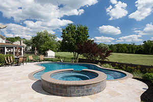 Gunite Free Form Shape Swimming Pool with Medium Blue Water Color