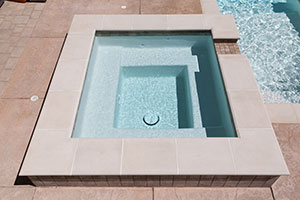Classic – Square Spa with Light Water and Cream Paver Colors