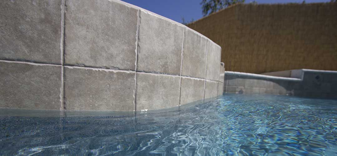 stone-look swimming pool tile